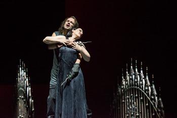 """Macbeth"" - Oper in vier Akten von Giuseppe Verdi Aalto Opernhaus Essen Premiere am 19.Oktober 2013 ______________________________ Tommi Hakala (Macbeth) Gun-Brit Barkmin (Lady Macbeth)"