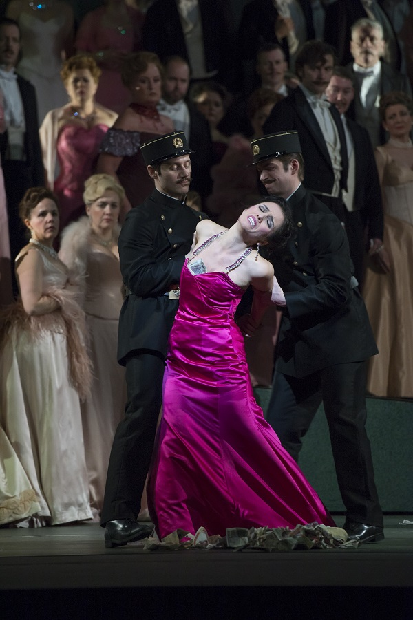 MANON; ROH,Manon Lescaut; ERMONELA JAHO,Lescaut; AUDUN IVERSEN,Chevalier des Grieux; MATTHEW POLENZANI,Le Comte des Grieux; ALASTAIR MILES,Guillot de Morfontaine; CHRISTOPHE MORTAGNE,De Bretigny; WILLIAM SHIMELL,Pousette; SIMON MIHAI,Javotte; RACH