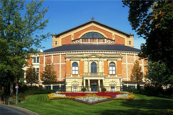 Wagner-Festspielhaus_Bayreuth