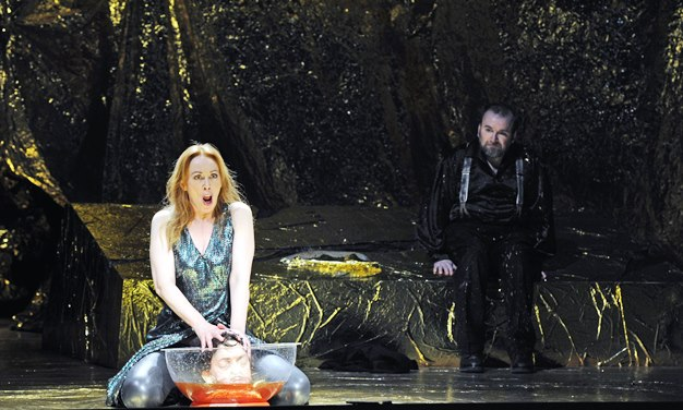 Richard Strauss: Salome/ ML Roland Kluttig/ R Tobias Theorell/ B u K Alejandro Tarragüel Rubio/ P 7. Februar 2015/ Landestheater Coburg