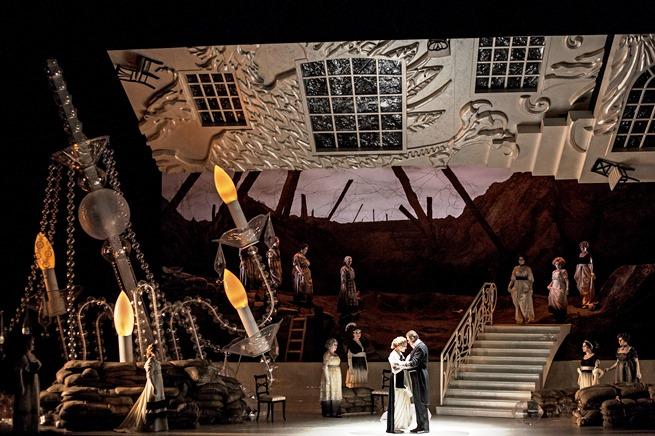 Oper Köln ARABELLA Musik.Leitung: Stefan Soltesz Regie: Renaud Doucet Bühne, Kostüme: André Barbe Licht: Guy Simard Darsteller:  E.Bell, E.Silins