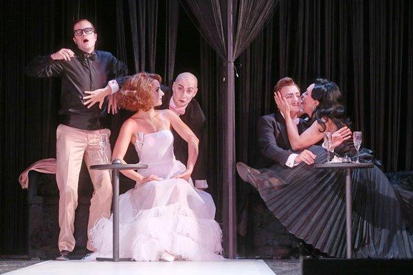 Ball im Savoy // Operette von Paul Abraham // ML Roland Fister; R Tobias Materna; B Jan Hendrik Neidert; Kostüme Lorena Diaz // Premiere 24. Oktober 2015 im Großen Haus des Landestheaters Coburg